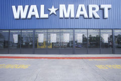 Wal * Mart Supercenter Store  front entrance and parking lot in Southeast USA Stock Photography