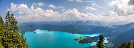 Walchensee sjö i Kochel, Tyskland Royaltyfri Fotografi