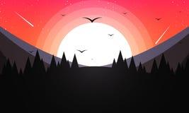 Wald gegen den Hintergrund von Bergen und von Sonnenuntergang Lizenzfreies Stockbild