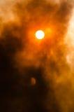 Waldbrand in Col. del Bosque, Cuernavaca, Morelos, Mexiko Lizenzfreies Stockfoto
