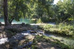 Waldland und Wasservorrat Nationalparks Krka in Sibenik, Kroatien Lizenzfreies Stockfoto