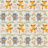 Waldnahtloses Muster mit Fuchs, Waschbär Stockbilder
