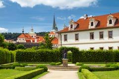 Waldstein slottträdgård arkivbild