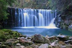 Waldwasserfall 4 Lizenzfreie Stockfotografie