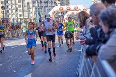 WALENCJA HISZPANIA, GRUDZIEŃ, - 02: Biegacze współzawodniczą w XXXVIII Walencja maratonie na Grudniu 18, 2018 w Walencja, Hiszpan obraz royalty free