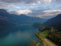 Walensee bei der Schweiz lizenzfreies stockbild