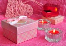 Walentynka dnia karty pojęcie, walentynka prezent, świeczki, prezenty, zaskakuje, miłość Zdjęcie Royalty Free