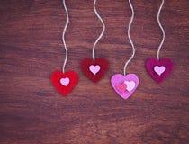 Walentynka dnia serce na drewnianym tle tonował z retr Obraz Stock