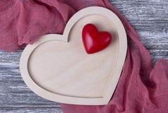 Walentynka dnia tła tekstury drewniane kierowe szarość zaszalują tkaninę Obrazy Stock