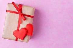 Walentynka dnia tło, kartka z pozdrowieniami, niespodzianka zdjęcia stock