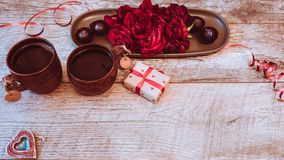 Walentynka dnia tło Walentynka dnia stołu miejsca położenia Drewniany stół z kopii przestrzenią Zdjęcie Stock