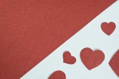 Walentynka dnia tło z sercami na bielu i kopii przestrzeni na czerwieni ilustracyjny lelui czerwieni stylu rocznik Obrazy Stock
