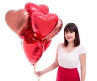 Walentynka dzień lub urodziny pojęcie - piękna kobieta z czerwień balonami odizolowywającymi na bielu zdjęcia stock