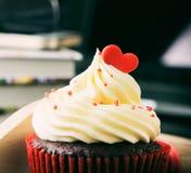 Walentynki babeczki rocznika romansowy brzmienie Zdjęcie Royalty Free
