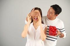 Walentynki niespodzianka dla dziewczyny zdjęcia stock