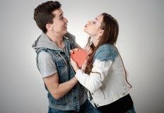 Walentynki para Portret Uśmiechnięta piękno dziewczyna i jej Handso Zdjęcie Stock