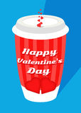 Walentynki ` s dnia czerwony kawowy kubek z dużym czerwonym sercem, lampasami i błękitnym tłem/ Zdjęcie Royalty Free