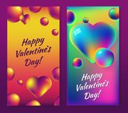 Walentynki ` s dnia holograficzny foliowy abstrakcjonistyczny tło ustawiający z tęczy sercem i jaskrawymi bąblami Obraz Royalty Free