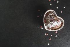 Walentynki ` s dnia kubka tort Fotografia Stock
