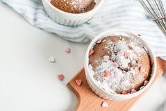 Walentynki ` s dnia kubka tort Zdjęcie Royalty Free