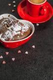Walentynki ` s dnia kubka tort Zdjęcie Stock