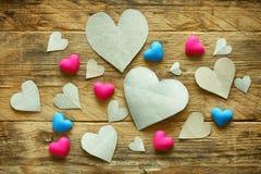 Walentynki ` s dzień, stos papieru rżnięty serce Fotografia Stock