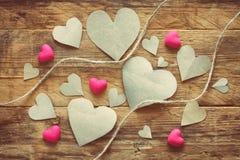 Walentynki ` s dzień, rozsypiska papierowy serce Zdjęcia Stock