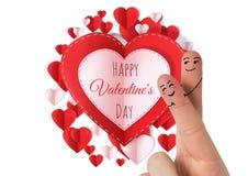 Walentynki ` s palców miłości para i Szczęśliwi walentynek serca w okręgu walentynki ` s dnia papieru i teksta Zdjęcie Royalty Free