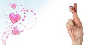 Walentynki ` s palców miłości para i wirować różowych serca Zdjęcia Royalty Free