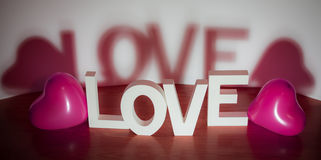 Walentynki teraźniejsza - miłość z różowym sercem szybko się zwiększać białego tło Obrazy Royalty Free