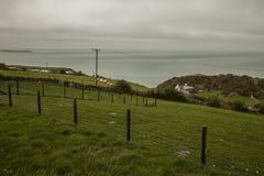 Wales, het UK - weiden en overzees stock afbeelding