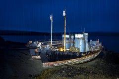 Walfangschiffe auf Strand Lizenzfreie Stockbilder