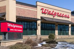 Walgreens Store Exterior and Sign Royalty Free Stock Photography