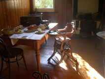 walić domu wiejskiego stary pokój Zdjęcia Royalty Free