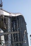 waling在Syndey港口桥梁 免版税库存照片
