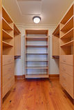 Walk-in Wandschrank Stockbild
