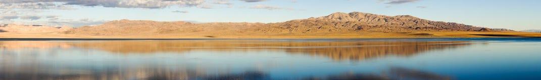 Walker湖伟大的水池西内华达米纳勒尔县 库存照片