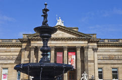 Walker Art Gallery and Steble Fountain in Liverpool Royalty Free Stock Photos