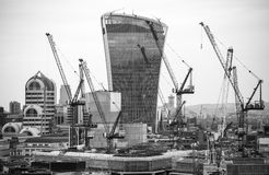 Walkie-talkie τραπεζικές εργασίες και γραφείο aria κτηρίου και Canary Wharf στο υπόβαθρο Λονδίνο UK Στοκ εικόνες με δικαίωμα ελεύθερης χρήσης