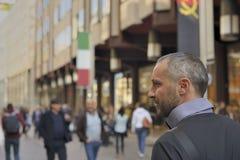 Walking in corso Vittorio Emanuele, Milan royalty free stock photos