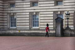 Walking Queen's Guard Soldier Royalty Free Stock Photos