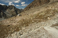 Walking track in Swiss Alps Royalty Free Stock Photos