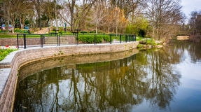 Free Walkway Along Wilde Lake, In Columbia, Maryland. Royalty Free Stock Photography - 47670727