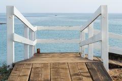 Walkway på Coldwater laken Arkivfoton