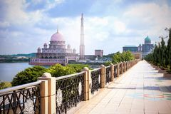 Walkway to the Great Putra Mosque and the Prime Minister`s Offic Royalty Free Stock Image