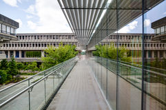 Walkway to main quadrangle, Simon Fraser University, Burnaby, BC Stock Photos