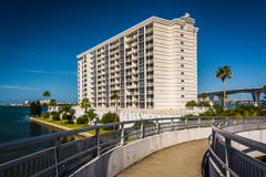 Walkway and view of an apartment building in Clearwater, Florida Stock Image