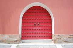 The wall and closed door Royalty Free Stock Photo