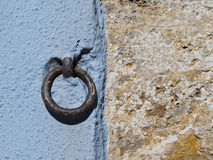 Wall with iron ring Royalty Free Stock Photography