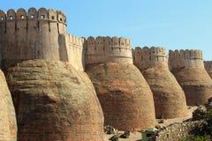 Free Wall Of Kumbhalgarh Fort Royalty Free Stock Image - 28723606